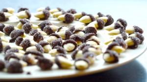 Amandelen met chocola en suiker