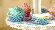 Roze en blauwe geboortecupcakes