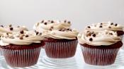 Cappuccinocupcakes met chocoladeballetjes