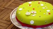 Verjaardagstaart met chocoladeganache en fondant