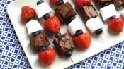 Spiezen met zomerfruit en brownie